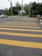 黄色の横断歩道